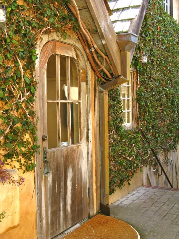 Serena Court- Of Carmel Hidden Courtyards