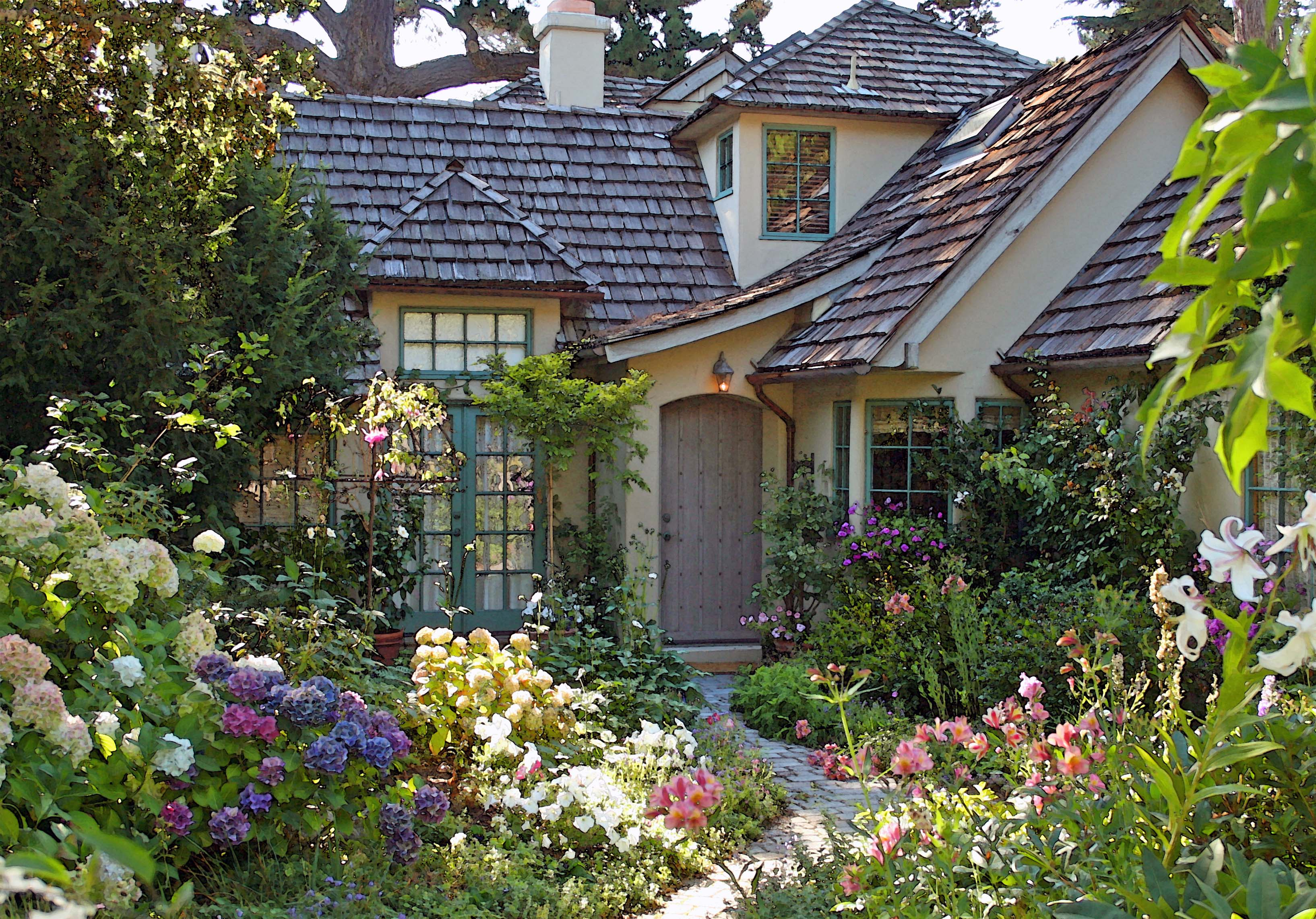 I TOUR THE CARMEL GARDEN OF TERI Winton  Once upon a timeTales from Carmel by the Sea