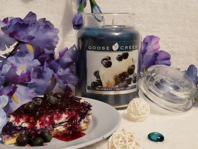 Goose Creek Blueberry Cheesecake scented candle