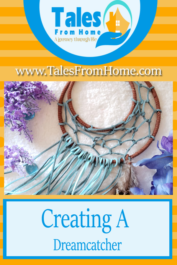 Creating a Dreamcatcher #DIY #crafting #arts #projects #Creative #creativeprojects #Dreamcatcher #trysomethingnew