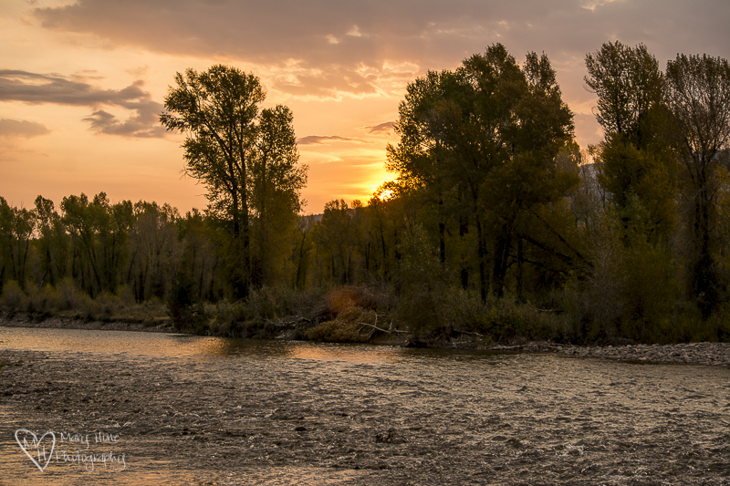 Sunrise in Wyoming, Half light and more light