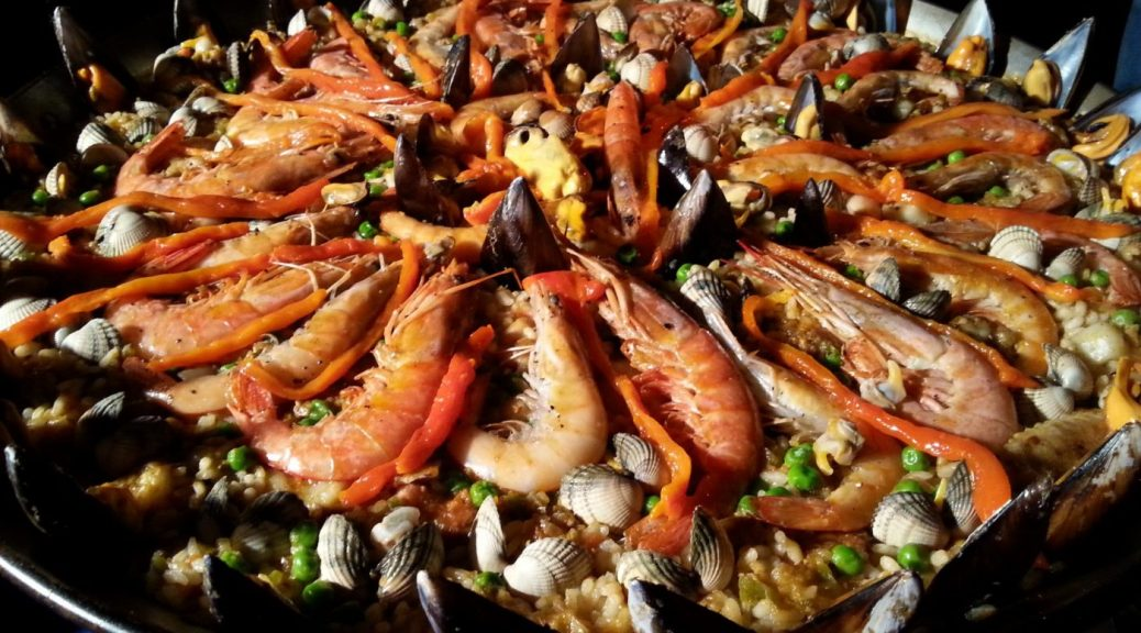 Paella Cooking Class in Barcelona - Gift Experiences to give for travel lovers