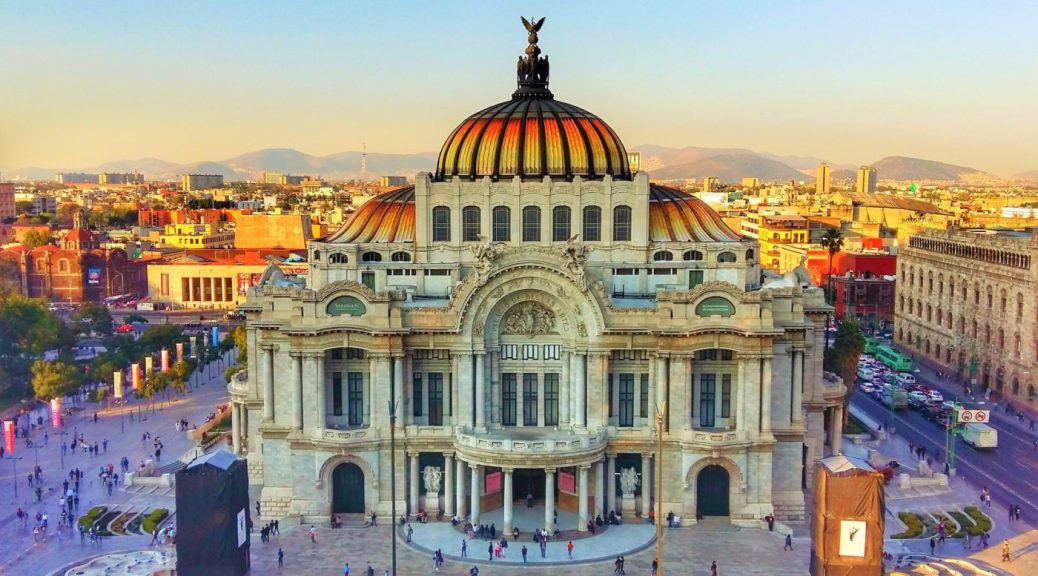 Palacio de Bellas Artes Mexico City - Backpacking in Mexico Backpackers Guide