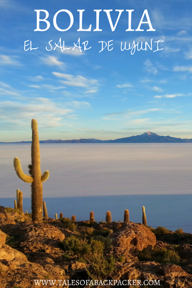 The Uyuni salt flats in Bolivia are truly incredible. One of the highlights of my time in South America as a whole, and an experience not to be missed in Bolivia. Actually, the first time I went to Bolivia, I decided to skip el Salar de Uyuni. That was a mistake, although I still had a great time exploring Sucre, Samaipata & La Paz! Luckily, I had the time, and the flexibility to be able to return to Bolivia later on in my journey, and this time I knew I had to do a Salar de Uyuni tour.