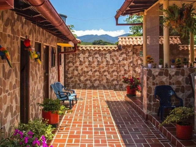 Casa Hostal La Quinta Porra in Guadalupe Santander Colombia - a nice hotel in Guadalupe with camping area