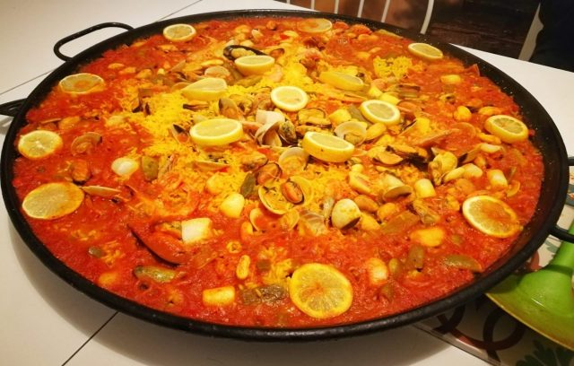 Paella night at Fabrizzio's Petit - the best hostel in Barcelona