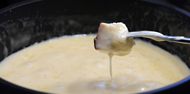 Cheese Fondue - Eating in Switzerland on a Budget