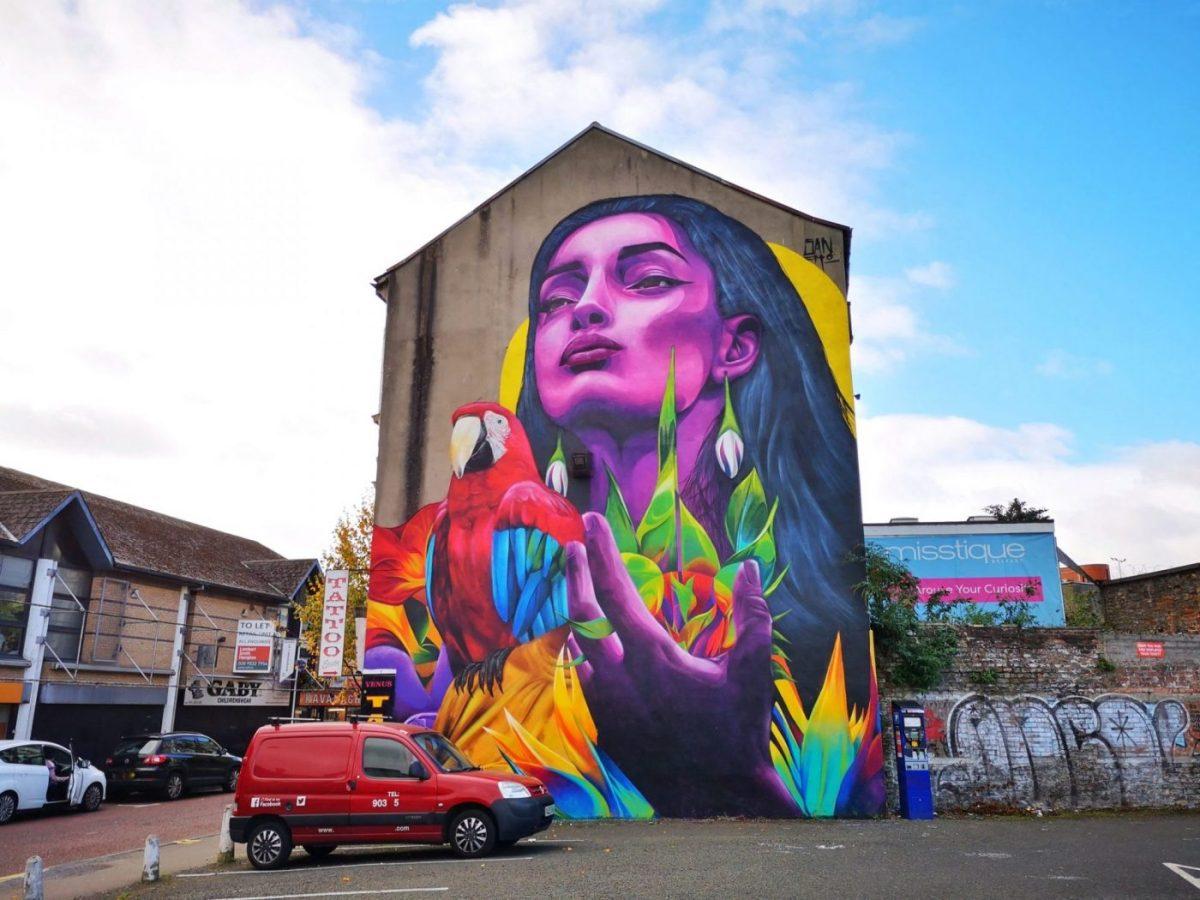 Belfast Street Art - a gorgeous mural by a Colombian street artist