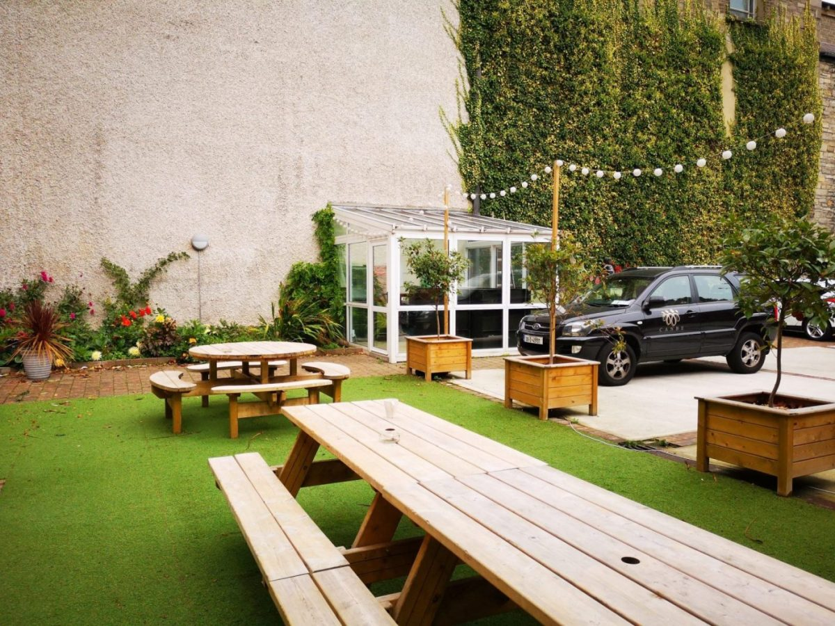Where to Stay while Backpacking in Dublin - The outdoor terrace the Gardiner House Hostel