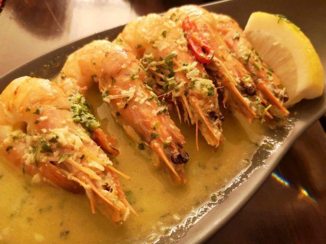 AMAZING Garlic Prawns - Where to Eat in Lagos Portugal