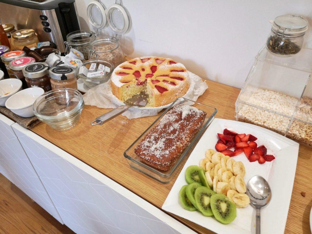 Breakfast at Kalamonjo Suite&Rooms