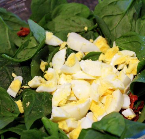 Wilted Spinach Salad with bacon and egg (5)