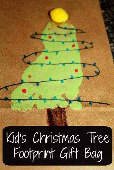 This adorable Christmas Tree Gift Bag is perfect for Kid's to make and is super cute to giveaway!