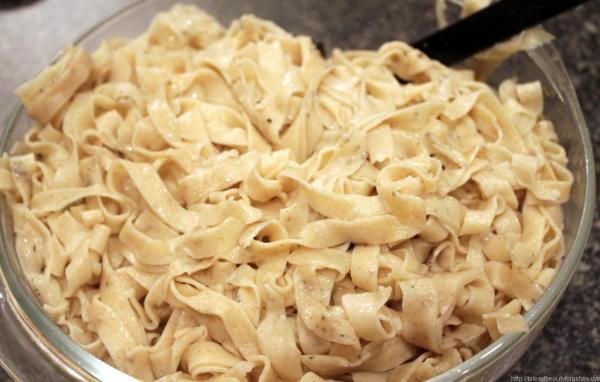 Fresh Homemade Pasta is easy and so fun to make! If you have never tried homemade pasta, you are missing out!! I love how this blogger gives details with each picture, I could totally do this!