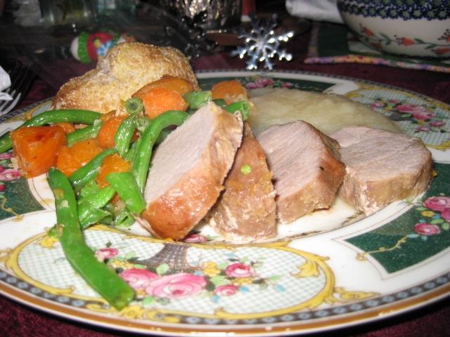 heel of the bread, 4 slices tenderloin, roasted veggies (minus white potatoes -- LOATHE them!), and unsweetened applesauce
