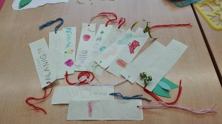 Granton Library - bookmark craft event