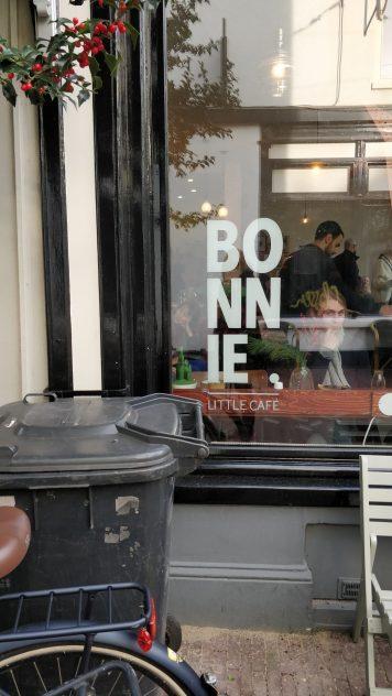 Bonnie Cafe