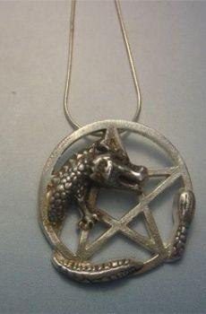 colgante pentáculo del dragón amuleto de plata