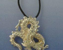 colgante dragón japonés Fuku riu colgante amuleto de plata de ley con cordón de cuero