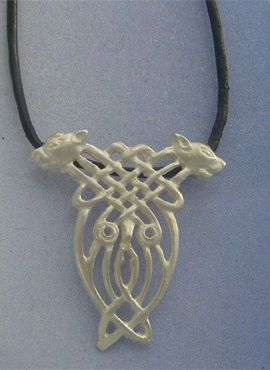 colgante nudo celta perros de Cuchulainn en plata con cordón de cuero