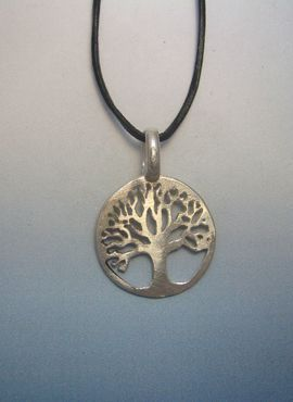 Talismanes Amuletos Y Símbolos árbol De La Vida Amuleto Celta De Plata