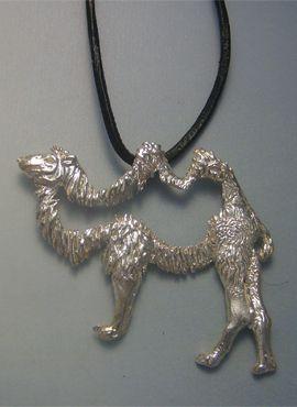 amuleto de camello colgante de plata cordón cuero