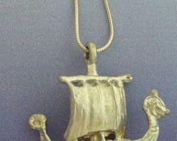 colgante drakkar barco vikingo de plata de ley
