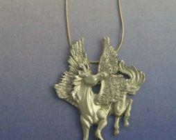 colgante pegaso de plata amuleto griego