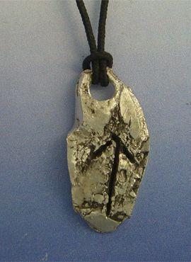 colgante runa vikinga teiwaz amuleto vikingorúnico de plata
