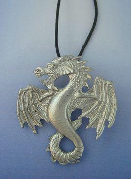 dragón de plata Fafnir amuleto colgante vikingo