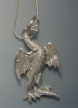 colgante dragón de San Jorge, plata de ley