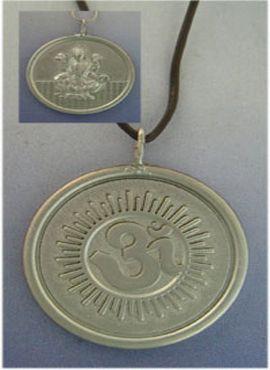 colgante Lakshmi Om de plata