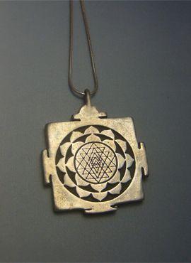 colgante sri yantra amuleto de plata