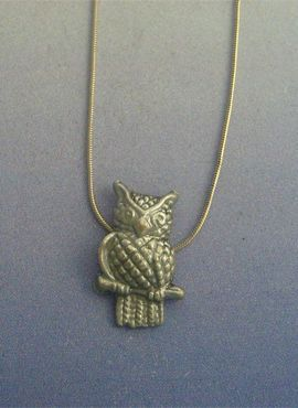 buho de plata colgante amuleto