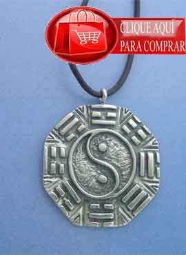Colgante del símbolo chino yin yang Pa kua o Ba Gua,