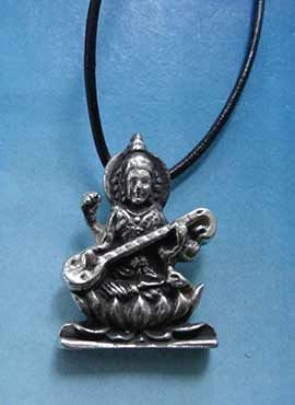 Sarasvati diosa de la música y artes colgante de plata