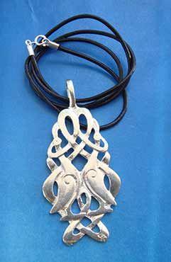 collar de nudos celtas de grullas de plata