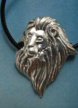 joya cabeza de león de plata