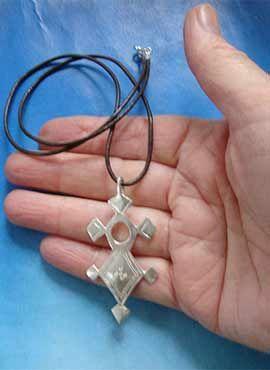 joya de la cruz tuareg agadez iferwan colgante plata