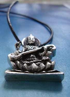 joya de Sarasvati diosa hindú de la música y artes