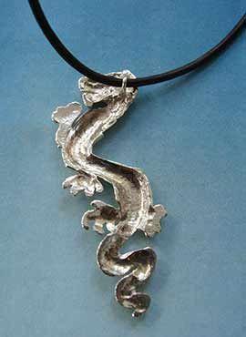 colgante dragón chino lung trasera
