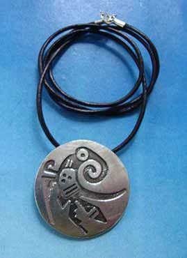 colgante quetzal amuleto