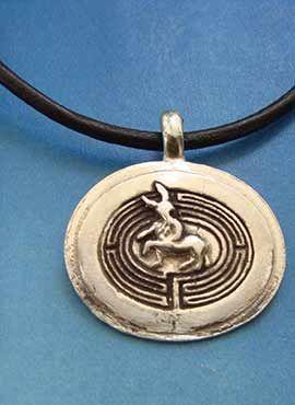 medallón laberinto del minotauro