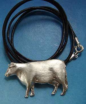 collar vaca, amuleto colgante