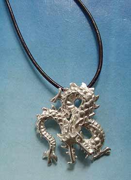 colgante dragón de plata Fuku riu de Japón