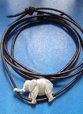 collar elefantito de plata