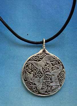 colgante medalla celta caballos diosa Epona
