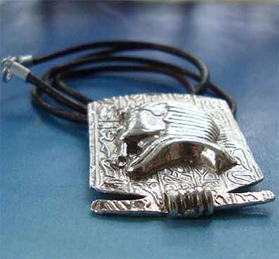 colgante mascara de tutankamon de plata