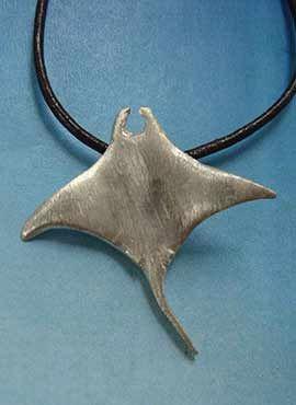pez manta raya colgante joya de plata