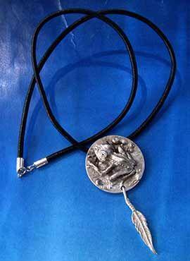 colgante rana amuleto totemico de plata